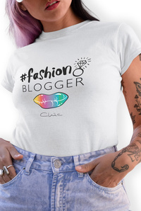 Fashion Blogger - The Favorite Tee