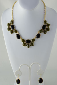 Flower Bib Neckless and Earring Set