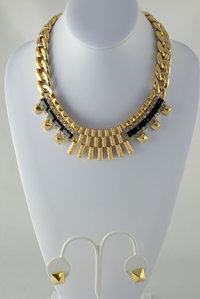 Bib Neckless and Earring Set