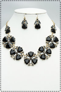 Stones & Rhonestones Accented Flower Shape Necklace Set